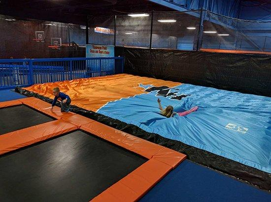 outdoor inflatable crash pad free jump