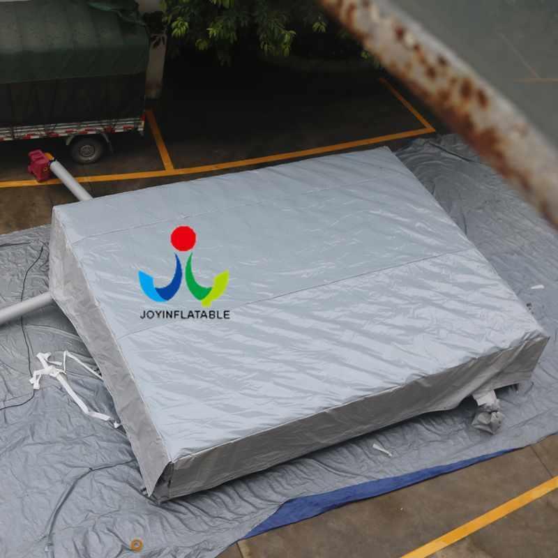 Inflatable Airbag Jump Stunt Trampoline