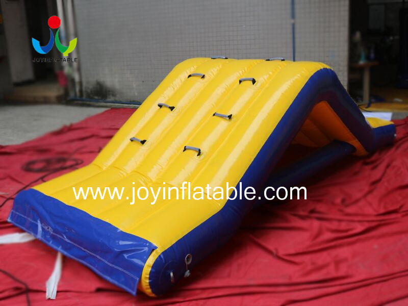 Inflatable Floating Obstacle