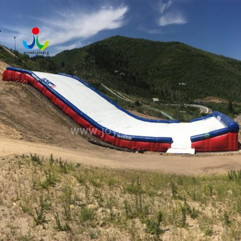 Inflatable Landing Airbag Ramp Pad for sloped Bikeparks Snowpark