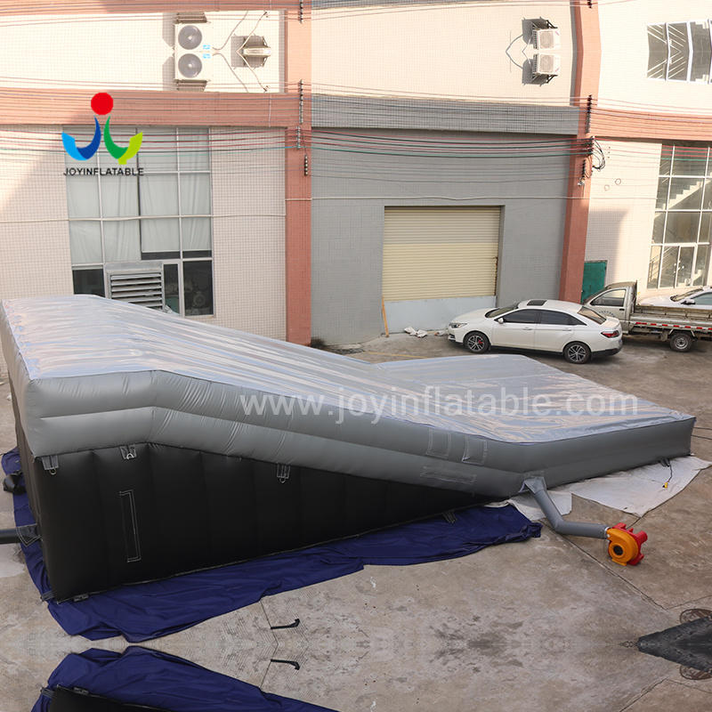 Custom Extreme Sport Inflatable Skiing Jump Stunt Ramp Air Bag