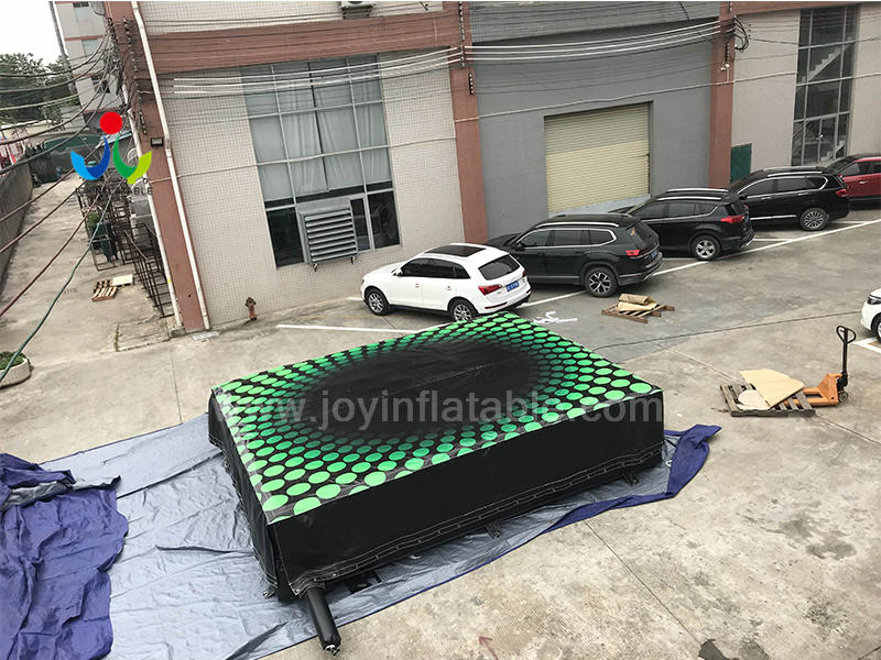 Inflatale Jump Air Bag for Jumping Off a Landing High Video