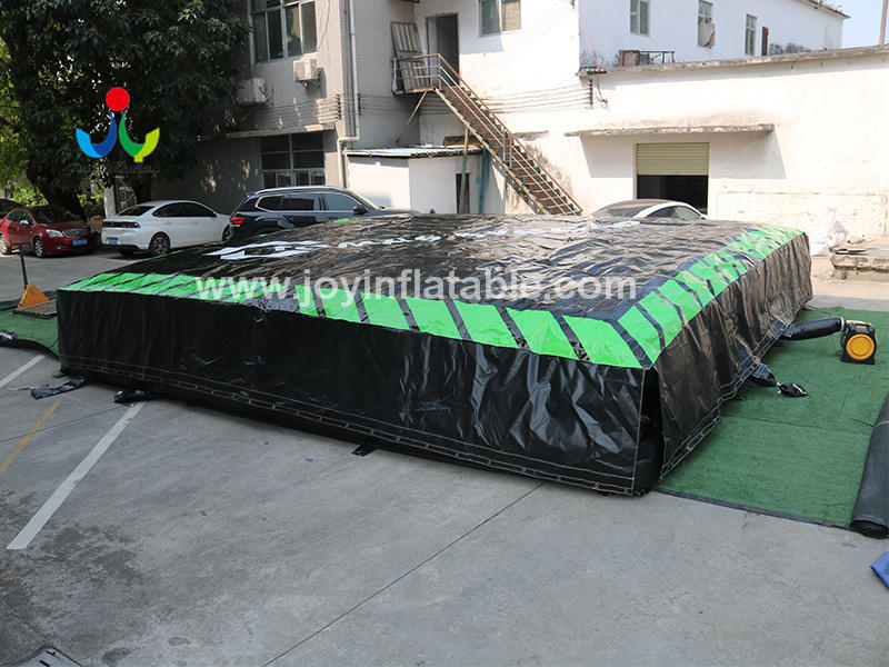 Giant Inflatable Crash Pad For Circus Landing Video