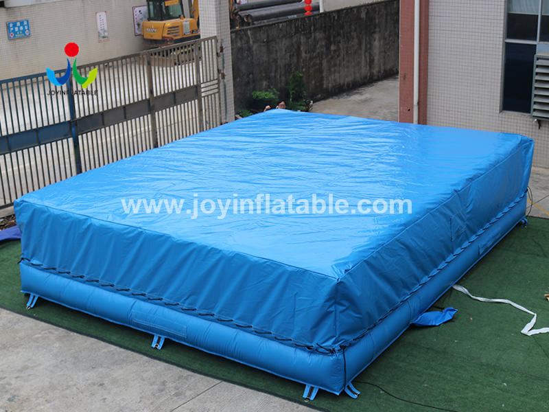 Foam Pit Jumping Inflatable Air Bag Video