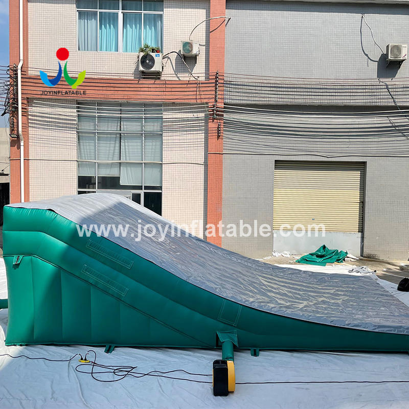 Freestyle Stunt  Inflatable Landing Airbag Ramp Pad Sloped Bike Parks