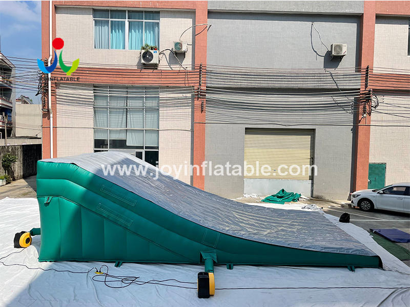Freestyle Stunt  Inflatable Landing Airbag Ramp Pad Sloped Bike Parks Video