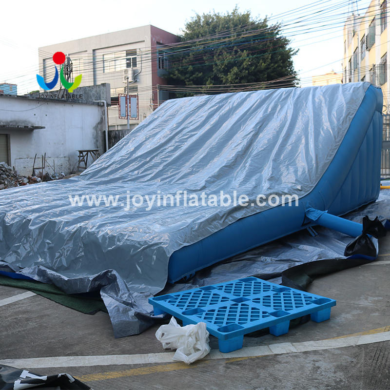 Inflatable Airbag Lander for BMX Jump Practice