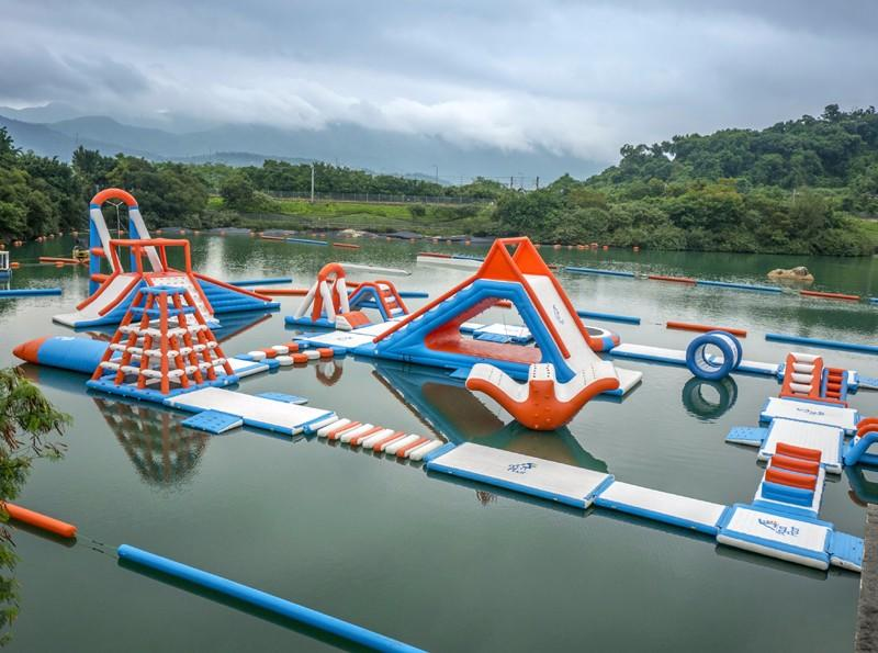 JOY inflatable island floating playground with good price for child-3
