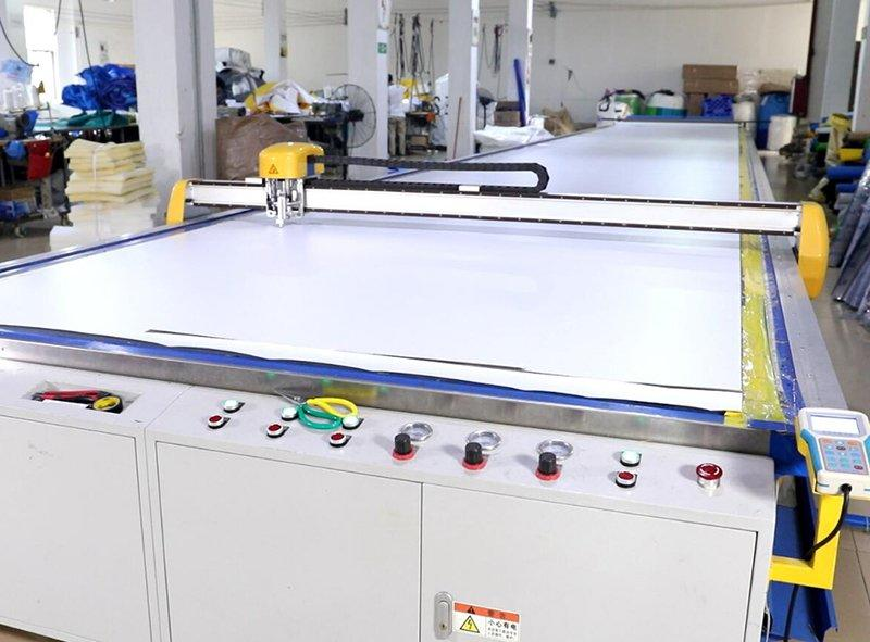 Automatic cutting material